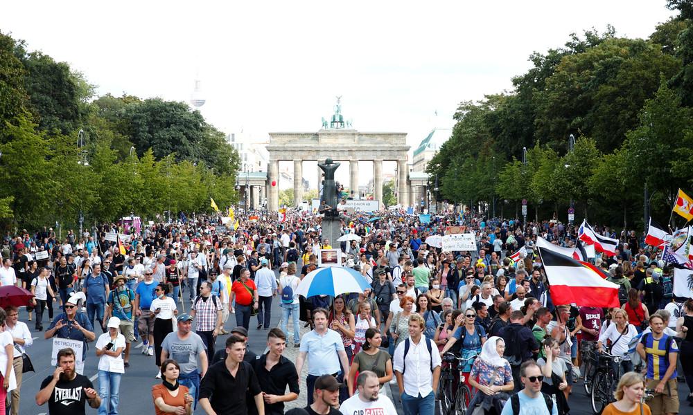 Corona-Demo in Berlin: Stimmen der Demonstrationsteilnehmer (Video)