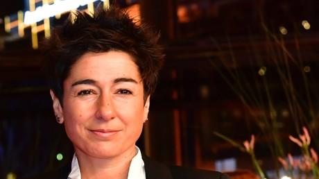 Dunja Hayali auf dem roten Teppich zur Eröffnungsfeier der 69. Berlinale und der Vorführung des Films