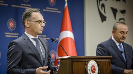 Bundesaußenminister Heiko Maas und sein türkischer Amtskollege Mevlüt Çavuşoğlu geben am 25.08.2020 nach dem Gespräch in Ankara eine Pressekonferenz.