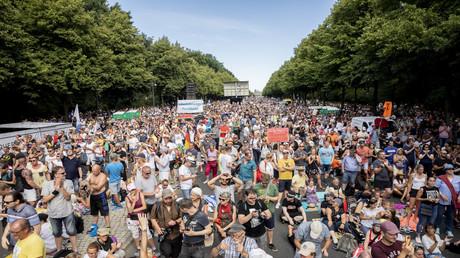 Bilder wie am 1. August in Berlin wird es am kommenden Samstag nicht mehr geben, nachdem die Berliner Versammlungsbehörde die geplanten Proteste gegen die Coronamaßnahmen verboten hat.