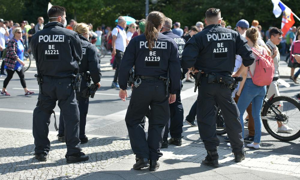 Verdacht auf Körperverletzung im Amt: Ermittlungen gegen Polizisten nach Demos in Berlin