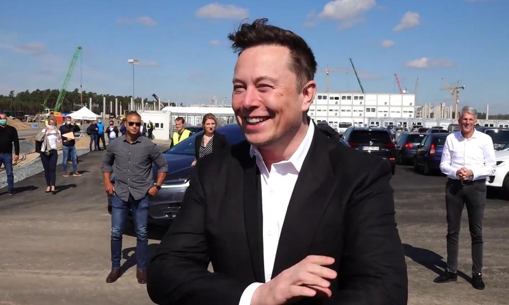 """""""Deutschland rocks!"""" – Elon Musk besucht seine Gigafabrik (Video)"""