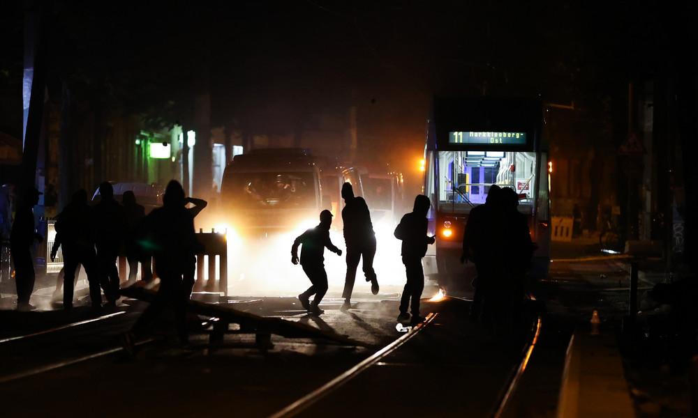 Gewalt bei Spontandemo in Leipzig – Vermummte greifen Polizeikräfte an