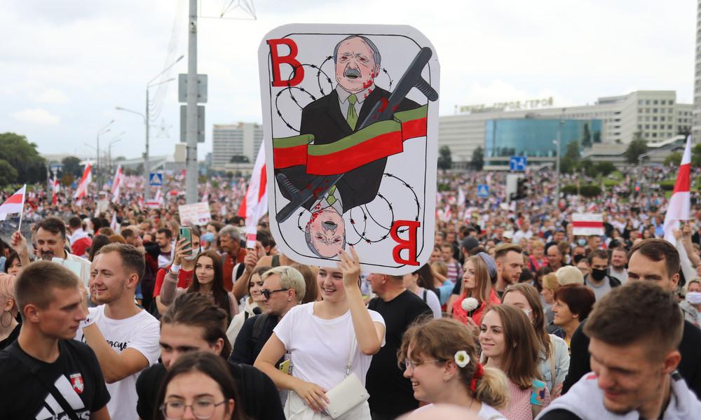 Weißrussland: Proteste dauern an – Hunderte Festnahmen am Sonntag