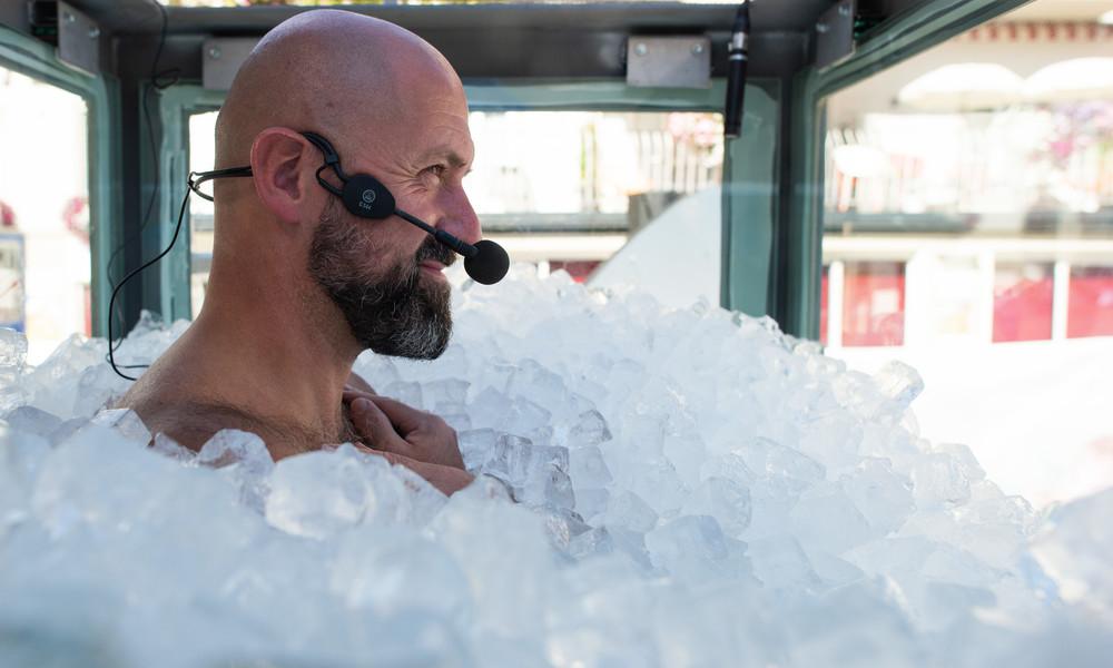Immer einen kühlen Kopf bewahren: Extremsportler aus Österreich knackt Weltrekord in Eiskabine