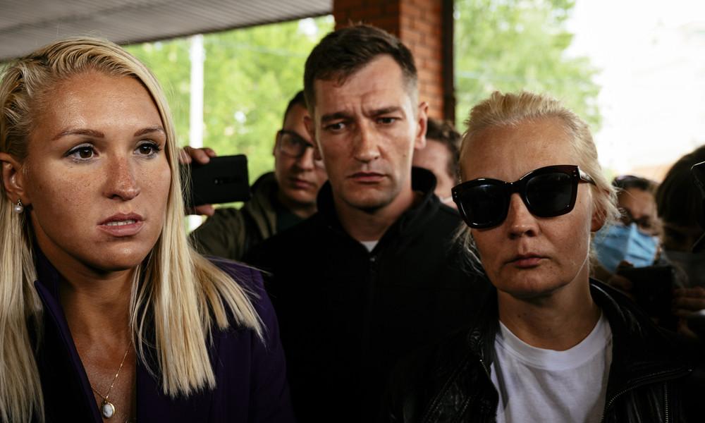 Fall Nawalny: Russische Ärztekammer will gemeinsame ärztliche Beratung, Nawalnys Frau Julia lehnt ab