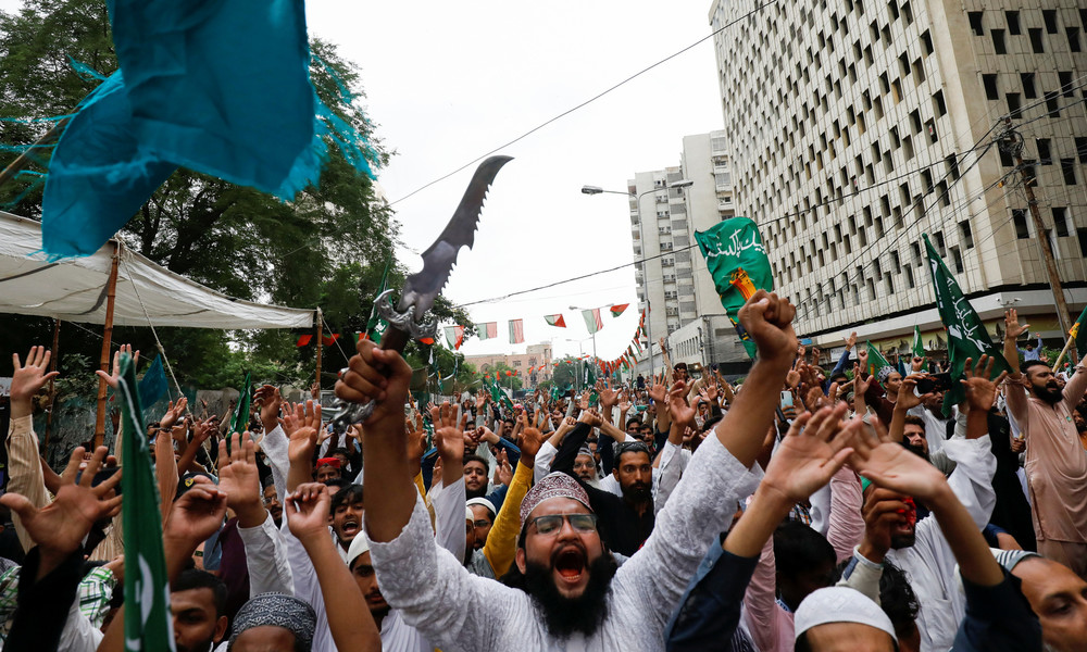 Pakistan: Zehntausende protestieren gegen Charlie Hebdos Neuauflage der Mohammed-Karikatur
