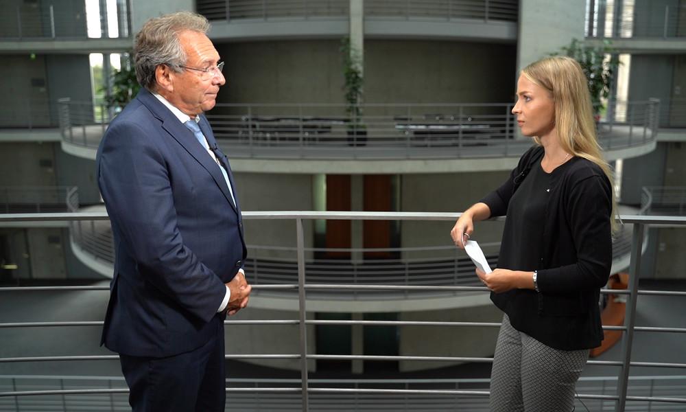 Linken-Politiker Klaus Ernst: Vorverurteilung Russlands nicht zulässig (Video-Interview)