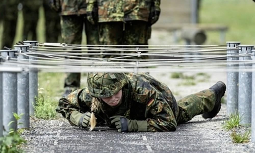 Die Bundeswehr wird weiblicher: Anpassung der Dienstgradbezeichnungen