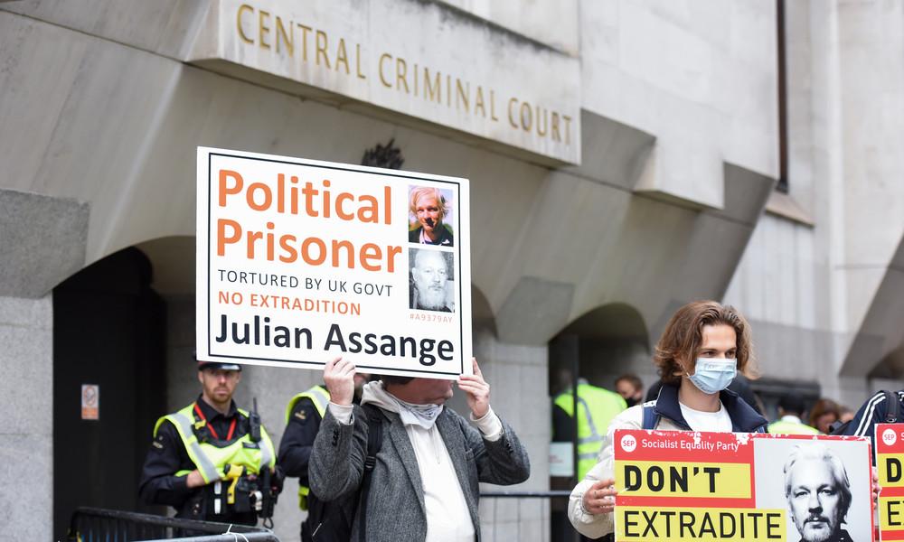 Assange-Prozess: Politische Aspekte treten in den Vordergrund – Pause wegen Corona