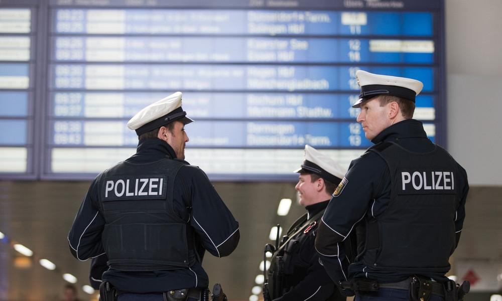 Über 80 Schwarzfahrer lösen Polizeieinsatz bei Hamburg aus – Zugbegleiterin bei Kontrolle angepöbelt
