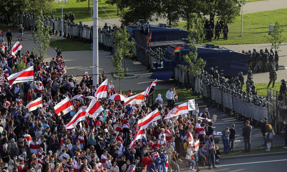 Anti-Regierungs-Proteste in Weißrussland: In Minsk demonstrieren wieder Zehntausende Menschen