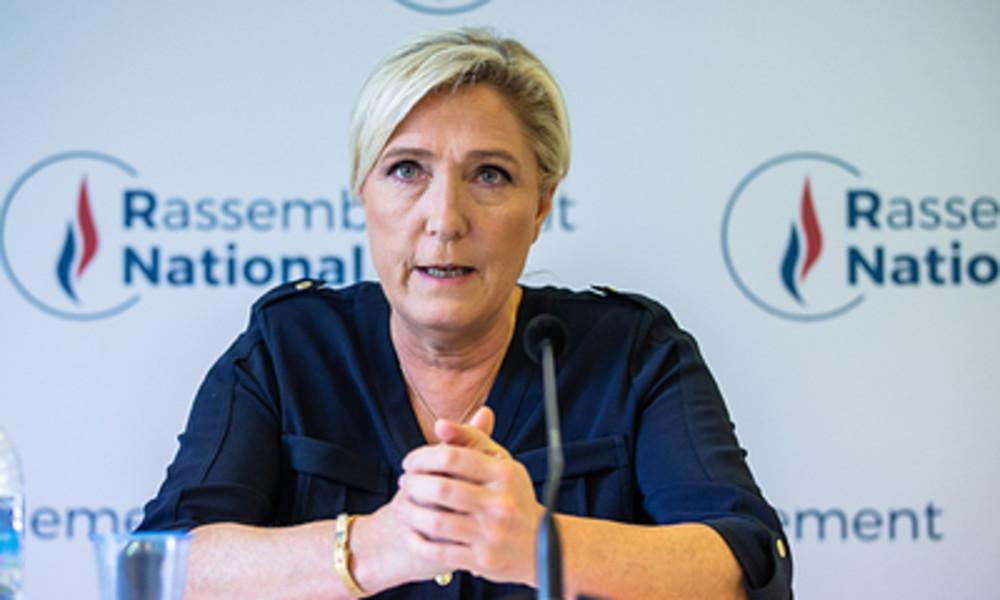 Le Pen stellt sich hinter Macron: Griechenland muss verteidigt werden