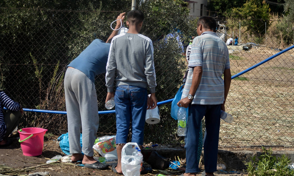 LIVE: Demonstranten in Lesbos fordern Evakuierung der Migranten