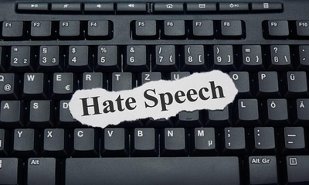 Gutachten des Wissenschaftlichen Dienstes: Gesetz gegen Hassrede teilweise verfassungswidrig