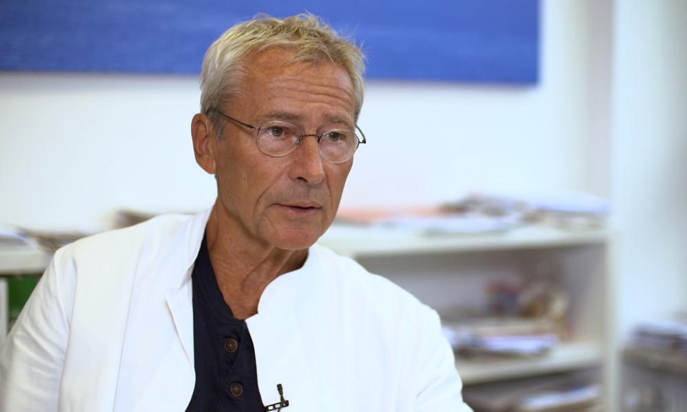 """Dr. Claus Köhnlein über """"fatale Corona-Experimente"""" der WHO"""