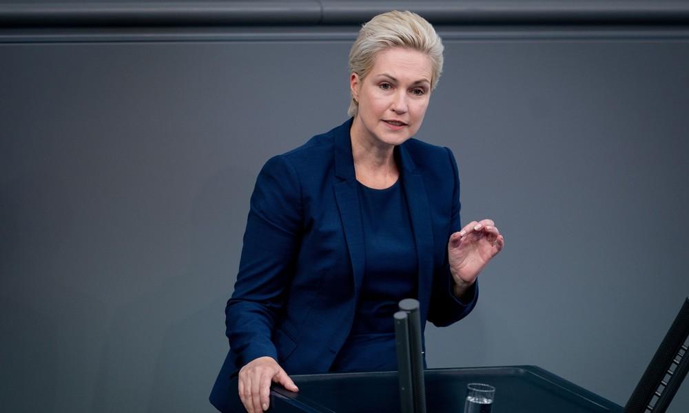 """Schwesig trotzt Transatlantik-Front: Grüne """"schaden"""" Mecklenburg-Vorpommern"""