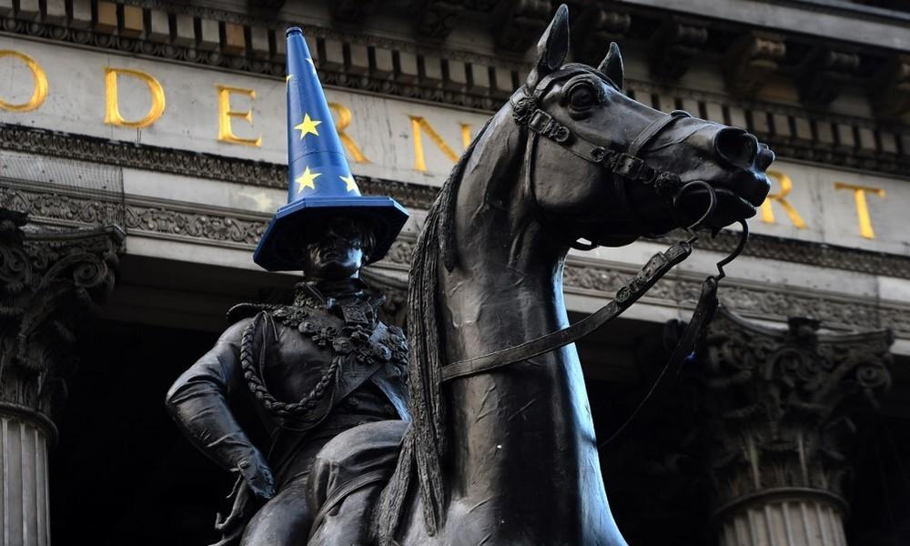 Scheitern der Demokratie und nutzlose Revolution der Mittelschicht in Großbritannien
