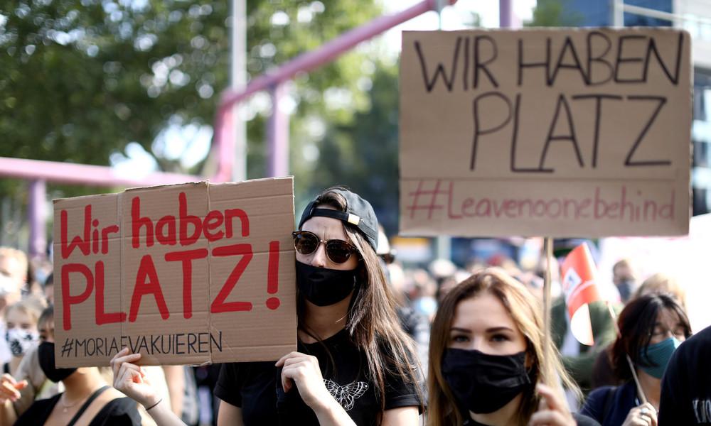 LIVE: Demo in Berlin für die Evakuierung von Moria-Flüchtlingen