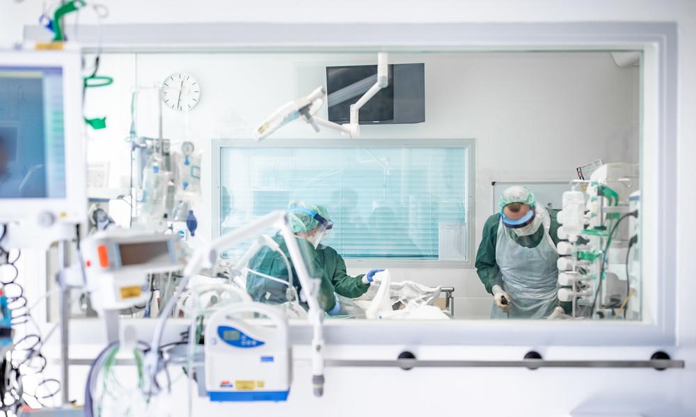 Medienbericht: Deutsche Krankenhäuser verringern Intensivbetten für COVID-19-Patienten