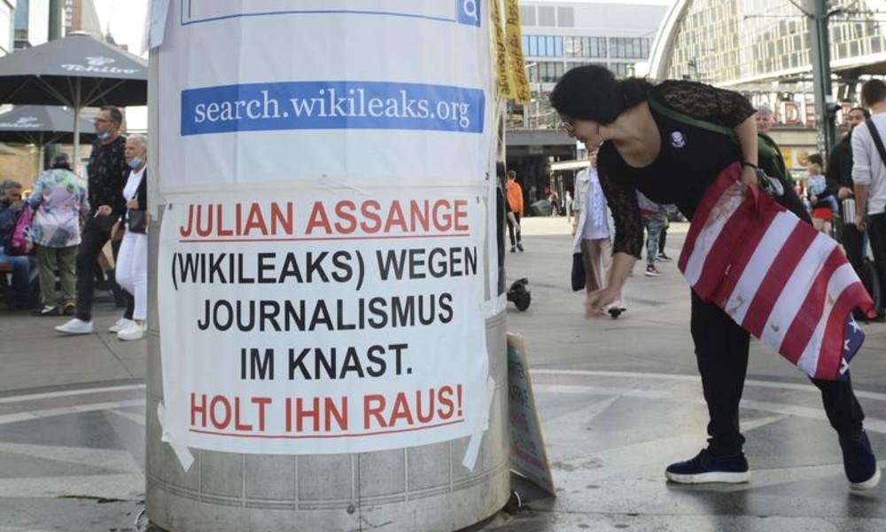 190 Staats- und Regierungschefs, Diplomaten und Anwälte fordern Freiheit für Assange (Video)