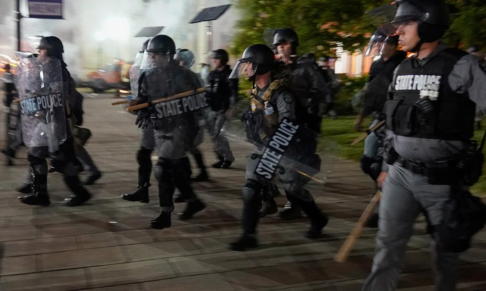 USA: Zwei Polizisten bei Protesten in Louisville angeschossen