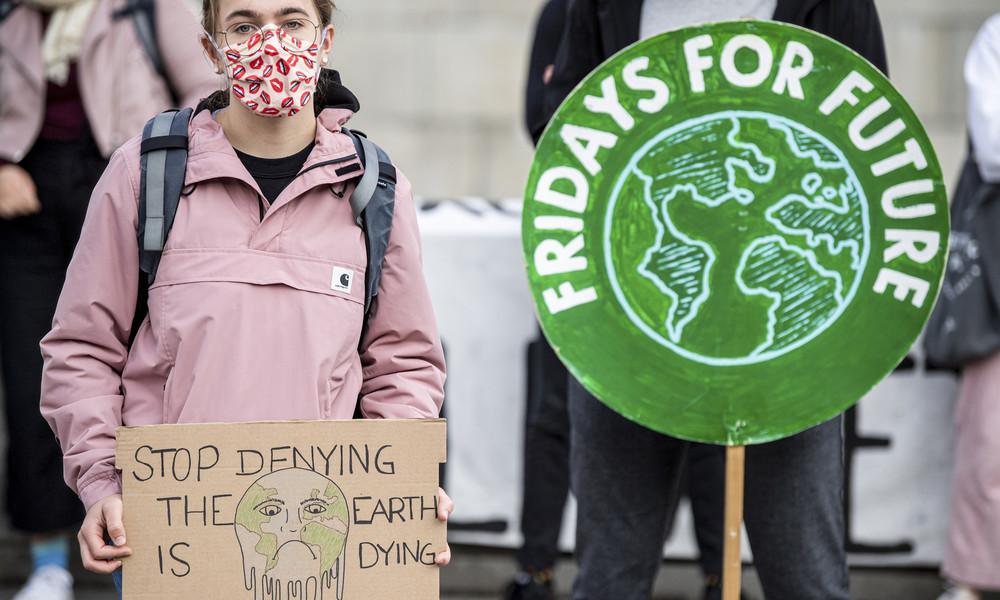 """""""Wir sind laut, weil ihr uns die Zukunft klaut"""": Fridays for Future-Demos trotz Corona wieder zurück"""