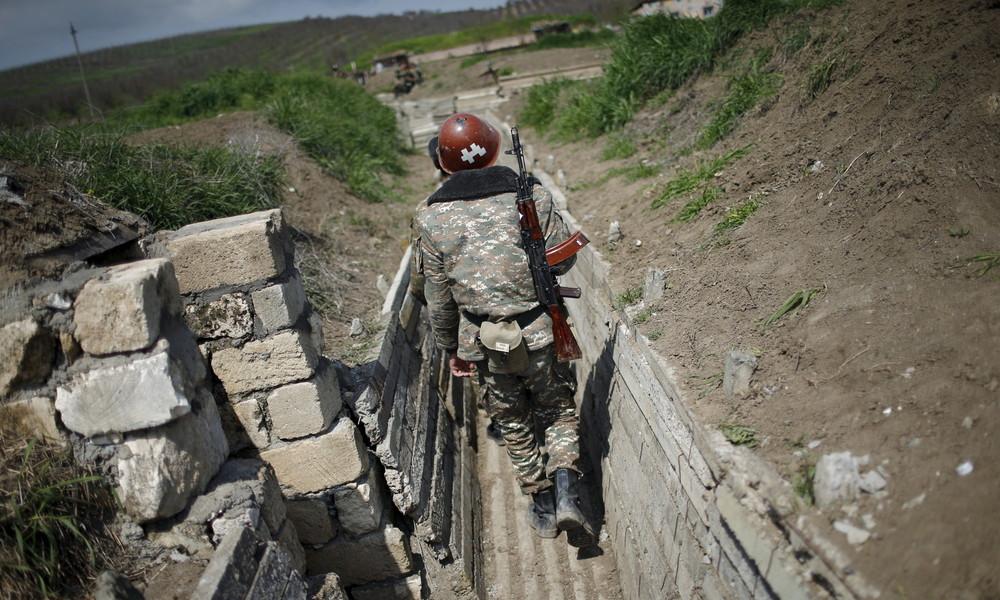 Russlands Außenministerium ruft Konfliktseiten in Bergkarabach zu Waffenruhe auf