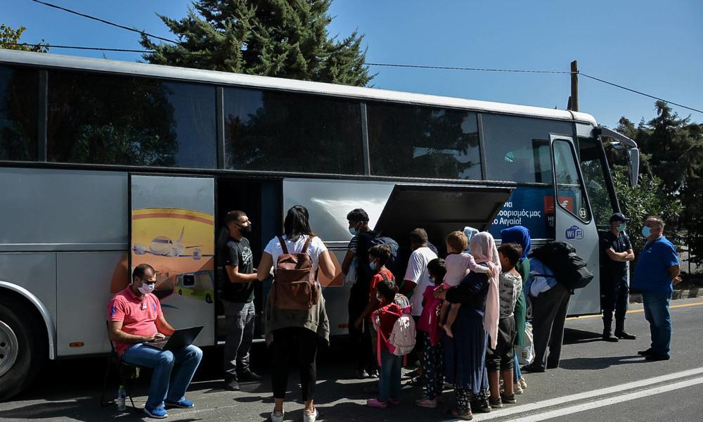 Flug mit ersten unbegleiteten minderjährigen Migranten aus Griechenland in Hannover gelandet