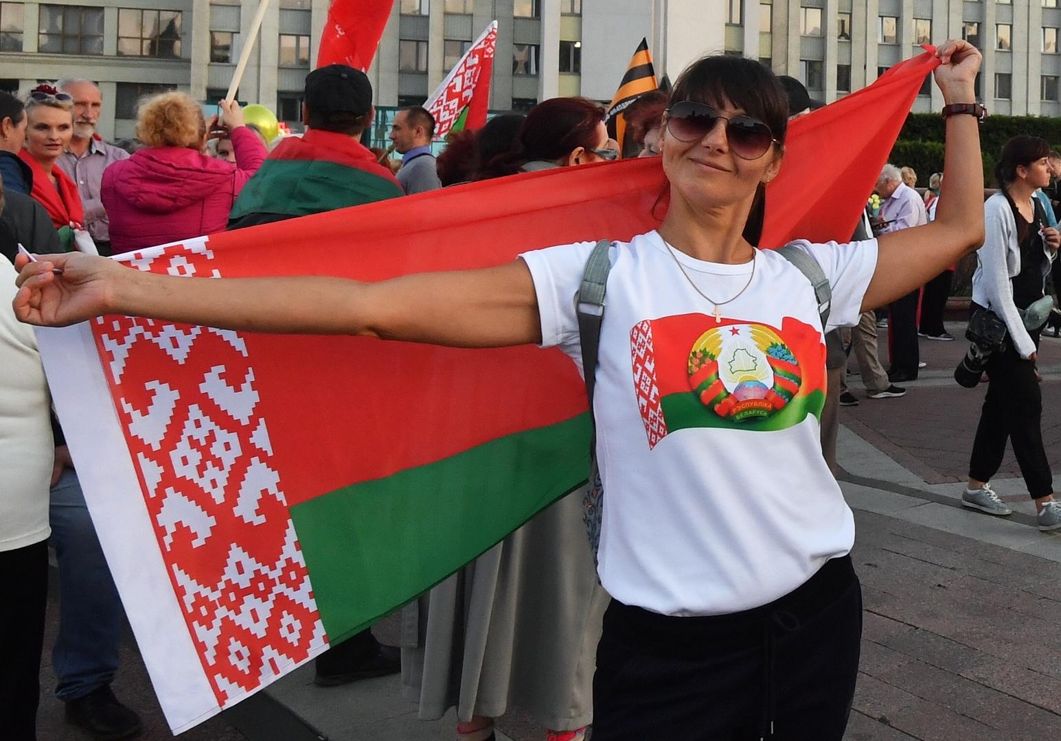 Brutaler Herrscher oder Held der Frauen? – Frauen für und gegen Lukaschenko