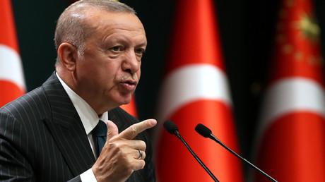 Der türkische Präsident Recep Tayyip Erdoğan hält am 24. August 2020 im Anschluss an die wöchentliche Kabinettssitzung im Präsidentschaftskomplex in Ankara eine Pressekonferenz ab.