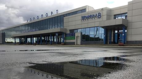 Der Flughafen in Omsk. Hier hat Nawalny vor seinem Flug nach Moskau eine Tasse Tee getrunken – seine Unterstützer und auch viele Medien hegen den Verdacht, dass diese mit Nowitschok vergiftet war.
