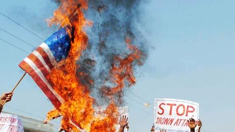 Proteste in Pakistan am 17. November 2011, nachdem mindestens 16 Menschen durch US-Drohnen getötet wurden