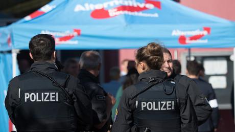 Steht ein Wahlkampfbild der AfD in Verbindung mit einer mutmaßlich islamistischen Messer-Attacke in Stolberg in NRW? Die Polizei sieht derzeit offenbar eine mögliche Verbindung. (Symbolbild)