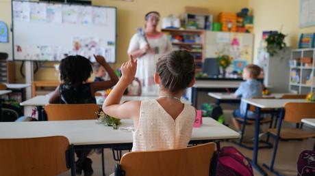 Die Einschulung wie hier am 15. August in der Grundschule im Panketal in Berlin-Karow ist schon mal geschafft. Nun will Berlin mithilfe von CO2-Messgeräten das Risiko senken, sich im Klassenraum mit dem SARS-CoV2-Virus zu infizieren.