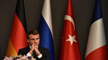 Emmanuel Macron auf einer Pressekonferenz in Istanbul nach einem Syrien-Gipfel  Frankreichs, der Türkei, Russlands und Deutschlands am 27. Oktober 2018,