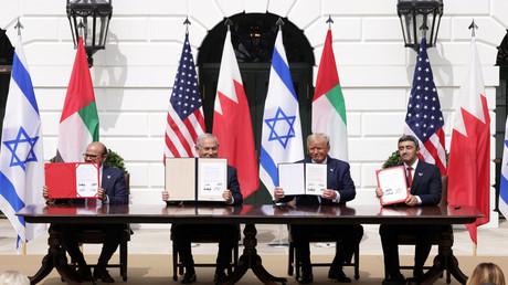 Unterzeichnung des Abkommens am 15. September in Washington, D.C.