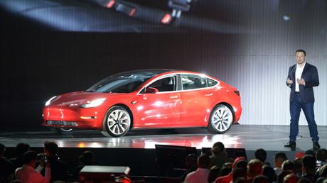Elon Musk spricht bei der Präsentation vom Tesla Model 3 (Achivbild).