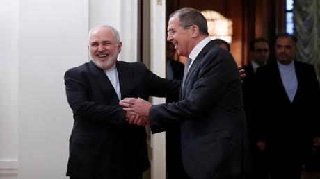 Russlands Außenminister Lawrow trifft sich mit Irans Außenminister Sarif in Moskau, am 30. Dezember 2019.