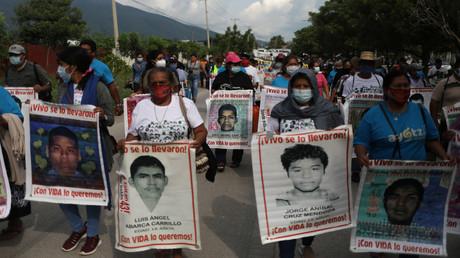 Am Montag gingen Angehörige der Studenten anlässlich des 6. Jahrestages ihres Verschwindens in Iguala auf die Straße.  (27. September 2020)