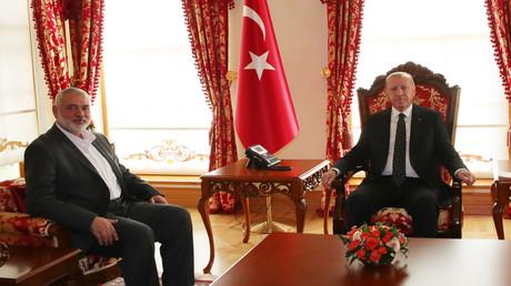 Der türkische Präsident Recep Tayyip Erdogan (R) und der Führer der Hamas in Gaza, Ismail Haniyya (L).14. Dezember 2019