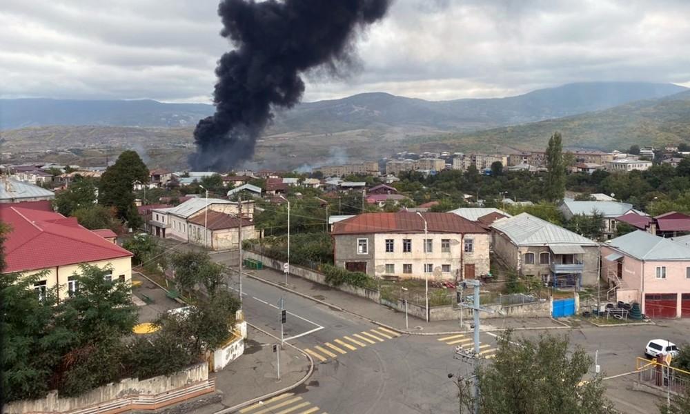 Kampfhandlungen in Bergkarabach: Konfliktseiten werfen einander Raketenangriffe auf Zivilisten vor