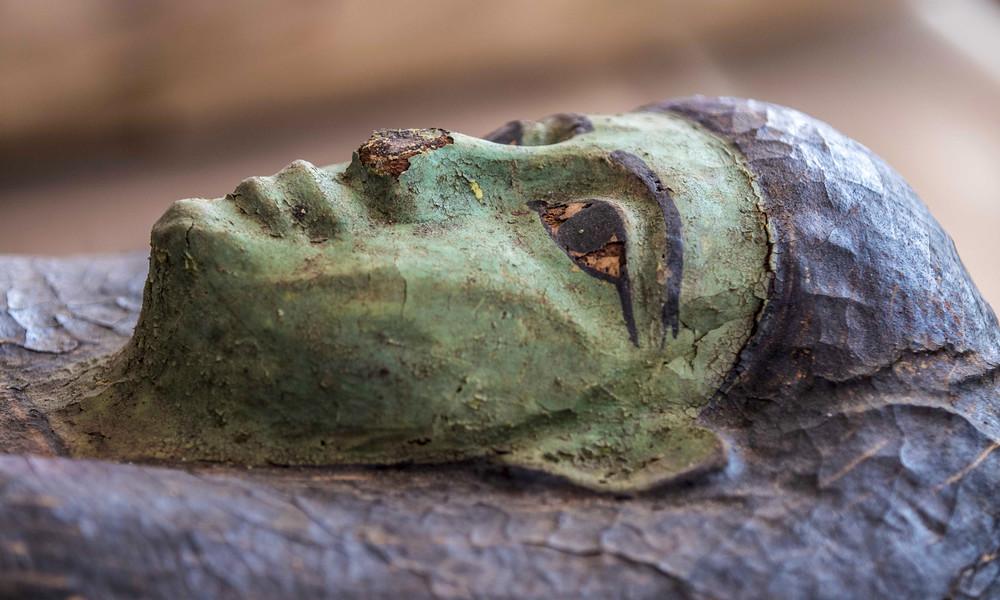 Dutzende Sarkophage mit gut erhaltenen Mumien in Ägypten entdeckt