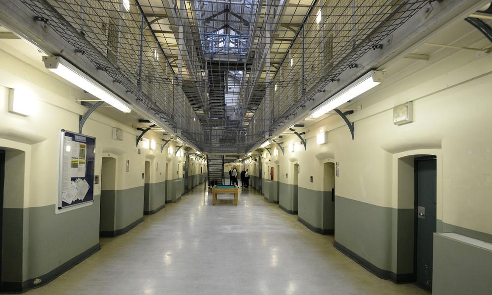 Großbritannien: Pädophile und Gewalttäter erhalten wegen Corona kürzere Gefängnisstrafen