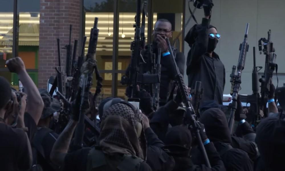 USA: Schwer bewaffnete afroamerikanische Miliz marschiert in Louisiana auf