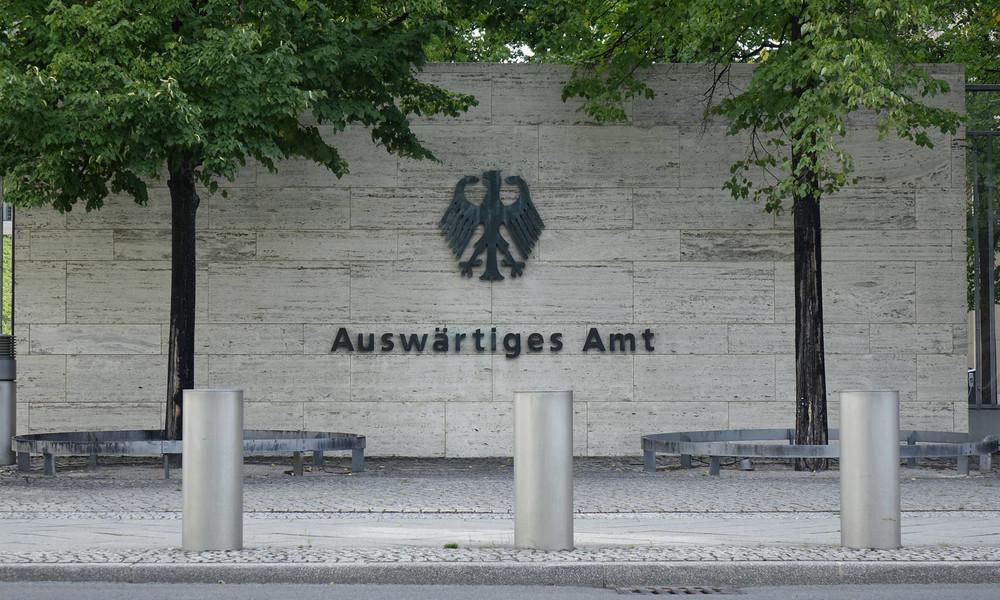 """LIVE: """"Historisches Treffen"""" der Außenminister Israels und der VAE in Berlin"""