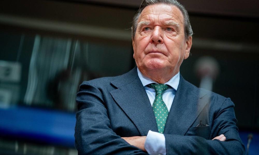 """""""Laufbursche Putins""""? – Altbundeskanzler Gerhard Schröder verklagt die """"Bild"""""""