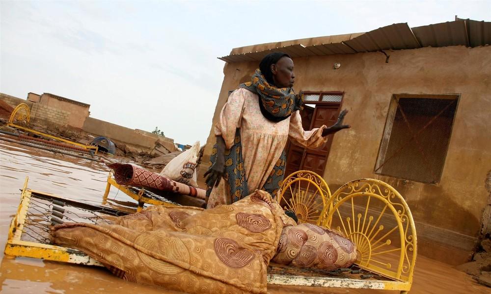Jahrhundertflut im Sudan führt zu einer Welle der Obdachlosigkeit (Video)