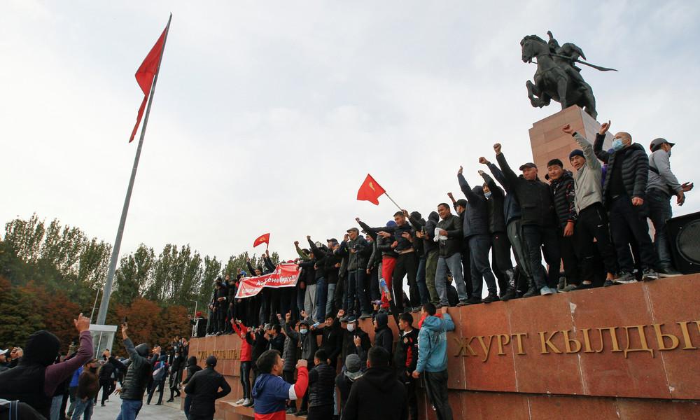 Proteste in Kirgisistan: Schüsse bei Demonstration in Bischkek – Präsident verhängt Ausnahmezustand
