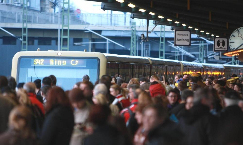 Geht's noch? Brandanschlag auf Berliner S-Bahn wird offenbar toleriert